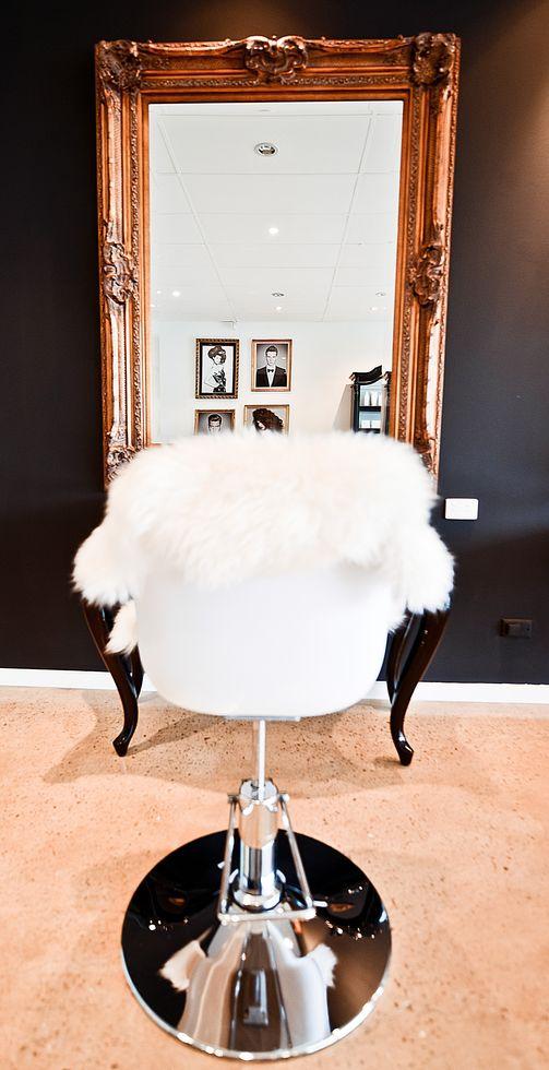 Salon10.jpg - large